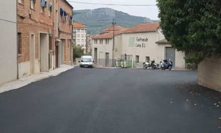 Obres d'asfaltat del camí de Talecons