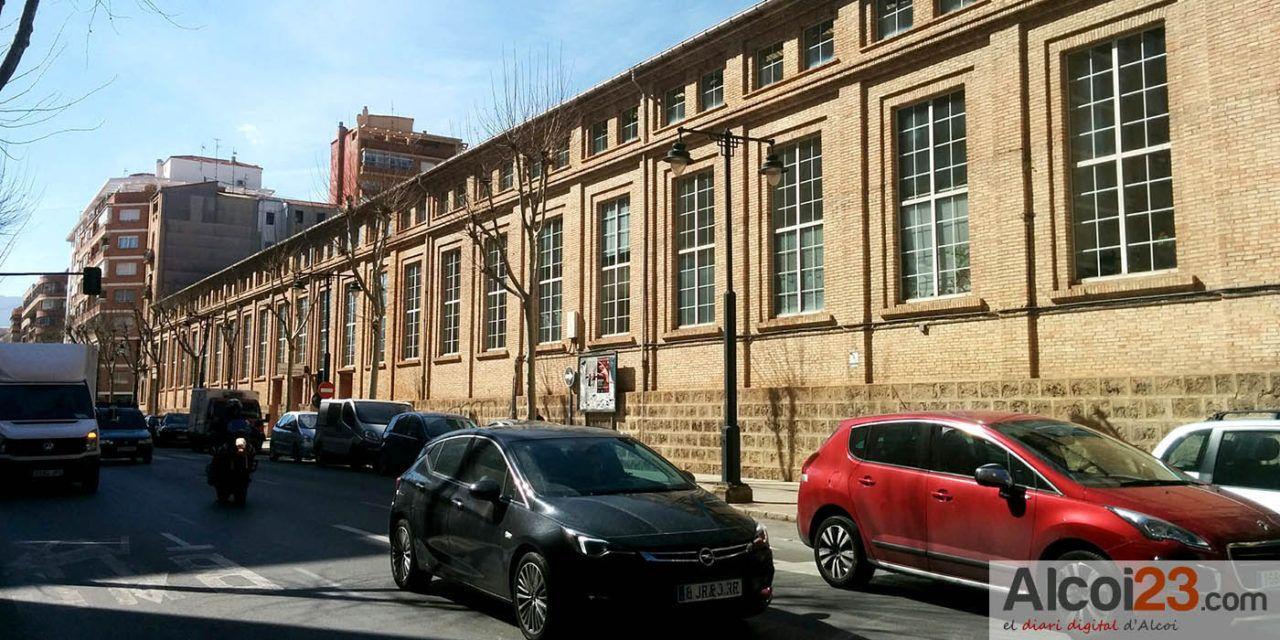 El Consell aprueba un convenio con TRAVICOI para aplicar descuentos de Carnet Jove en la línea Alcoi-Valencia