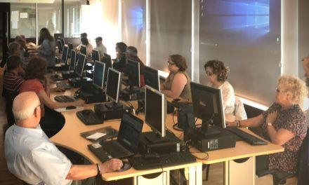 12.000 euros per a la renovació de l'aula d'informàtica del Centre Social de la Zona Nord