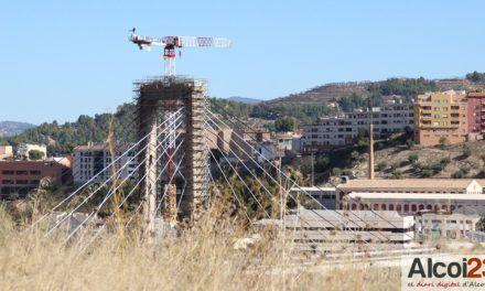 Compromís denuncia males olors de les fàbriques al barri de Santa Rosa