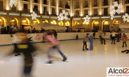Dies de patinatge en la Plaça de Dins