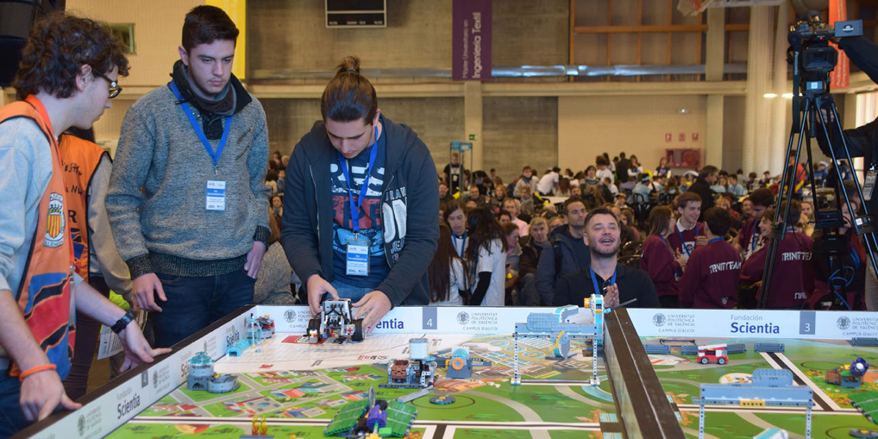 """Más de 250  jóvenes demuestran en el Campus de Alcoy su creatividad e ingenio en el Torneo Clasificatorio """"FIRST LEGO League"""""""
