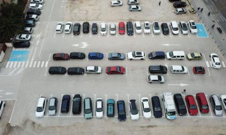 Millorada la distribució dels aparcaments a la Plaça Al Azaq