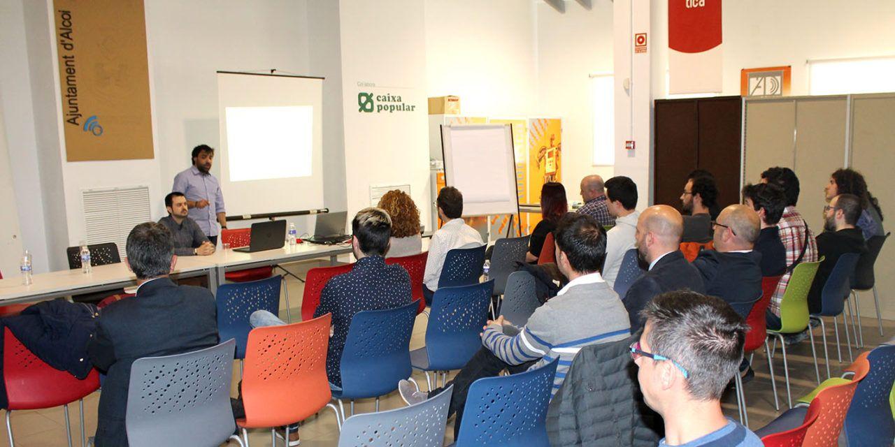 Alumnes del curs en ciberseguretat de la Fundació Telefónica presenten els seus projectes