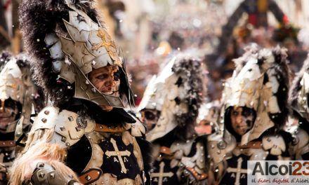 VÍDEO ESQUADRA MIG | L'exèrcit asturià entusiasma al públic alcoià