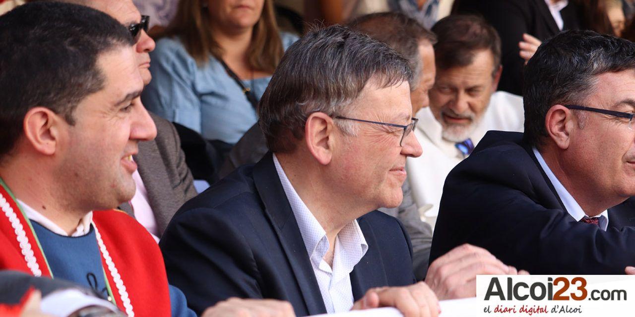 Puig destaca la importancia de los Moros y Cristianos de Alcoy como 'una de las grandes fiestas valencianas'