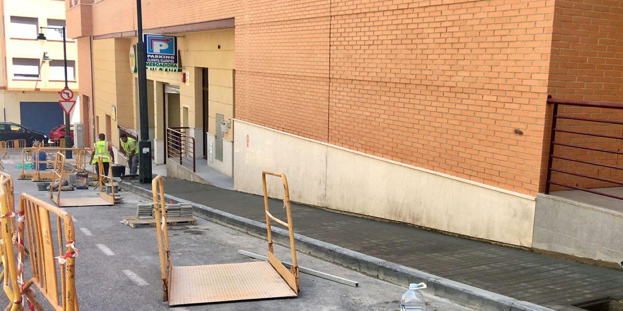 Noves voreres per al carrer Casimiro Barello Morello