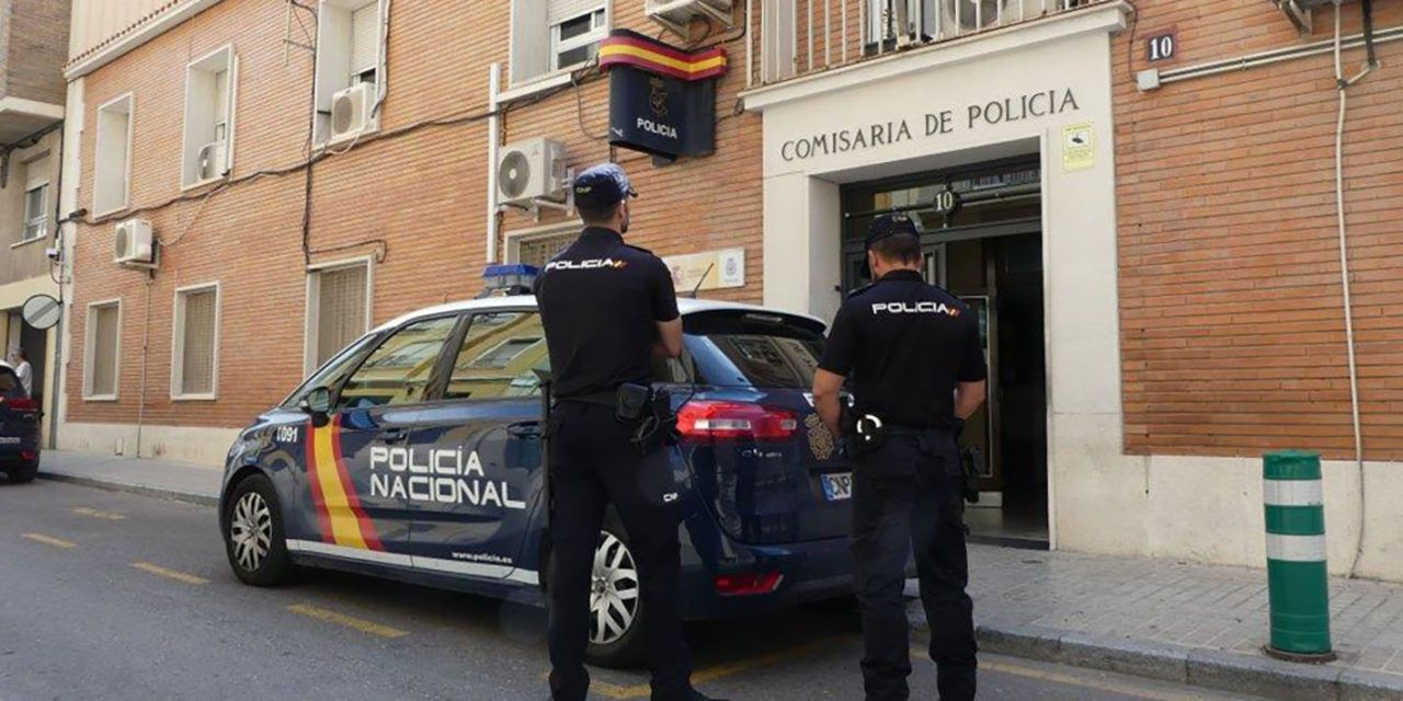 SUCESOS | Una organización criminal que operaba desde Alcoy estafa a 59 personas