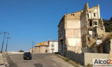 """Cs de Alcoy alerta del """"peligro de derrumbe"""" de unas viviendas de Algezares"""