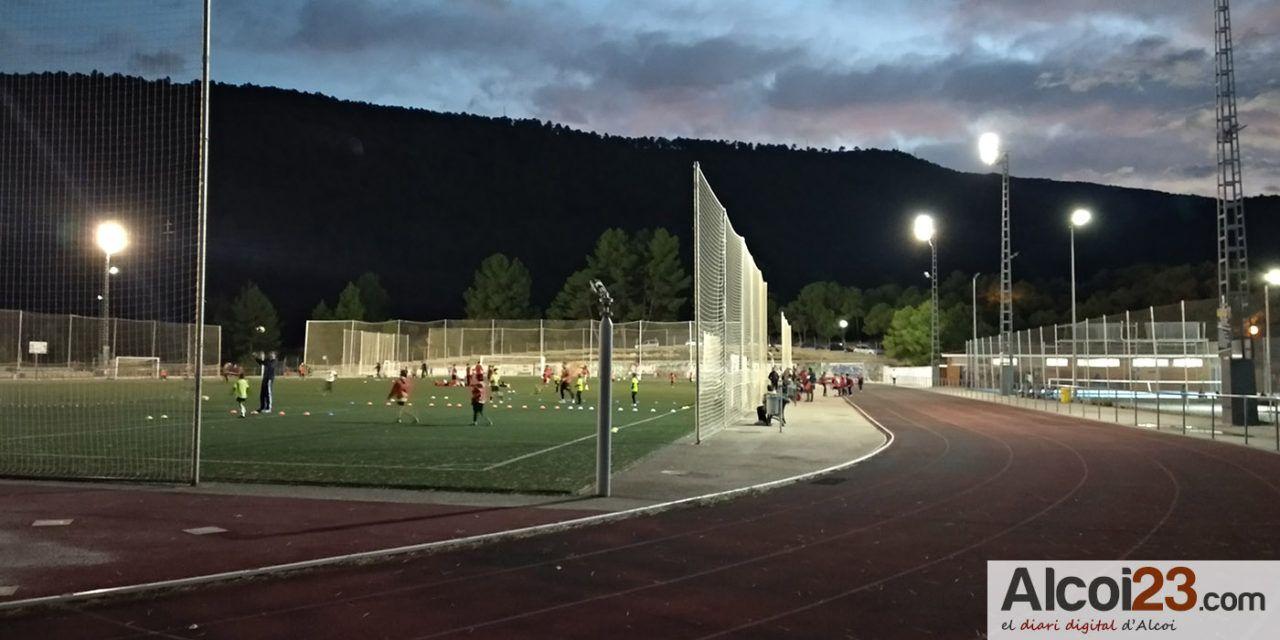 L'ajuntament destina quasi 4.000 euros per subvencionar els arbitratges del futbol base