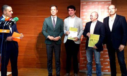 Jon Ander Acarregui, estudiante del Campus de Alcoy de la UPV, ganador del Concurso Internacional de Diseño Industrial del Mueble del CETEM