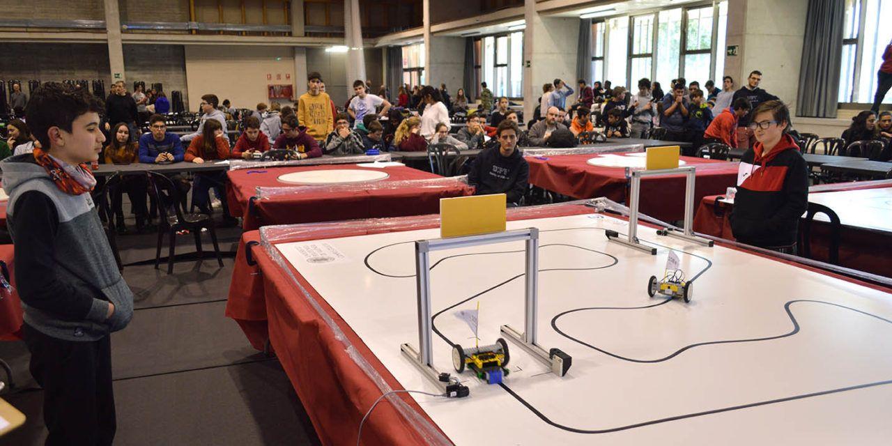 382 estudiantes han participado en el 'VII Concurso de Robótica' del Campus de Alcoy de la UPV