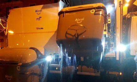 Alcoi ja disposa d'un camió 'neteja contenidors'