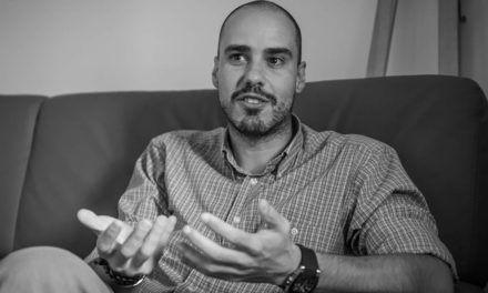 El reporter de guerra Antonio Pampliega presenta els seus llibres a Alcoi