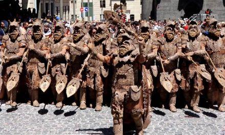 VÍDEO ESQUADRA MIG | Els Cids posen en escena una original Escuadra del Mig Cristiana