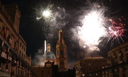 VÍDEO | L'aparició de Sant Jordi posa fi a les Festes