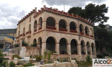 Els socialistes volen convertir el Mas de Mascarella de Ferran en un alberg municipal