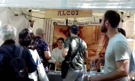 Alcoi presumeix del seu modernisme en Barcelona