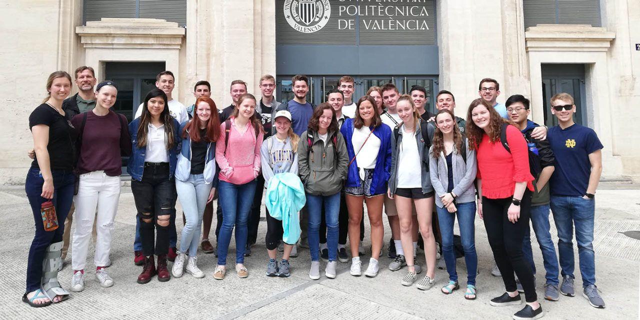 28 estudiantes de la universidad norteamericana de Notre Dame imparten sus clases en el Campus de Alcoy de la UPV