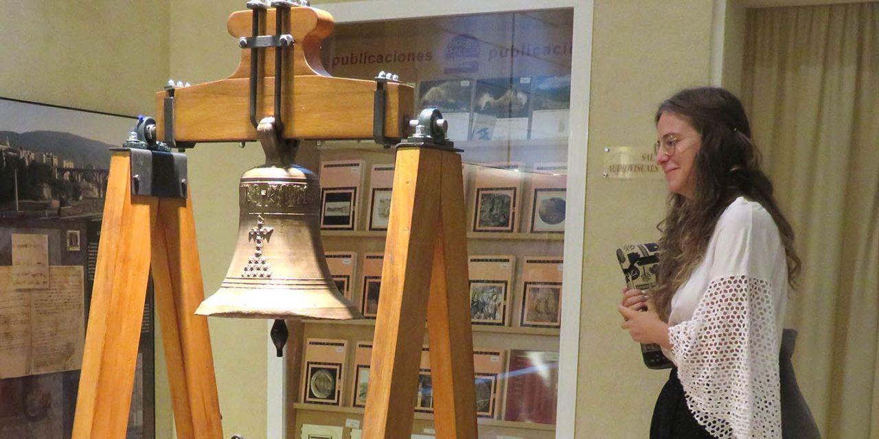El Museu Arqueològic d'Alcoi ja exhibeix la Campana de Barxell