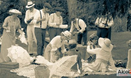 FOTOS I VÍDEO | Un pícnic modernista popular al passeig de Cervantes