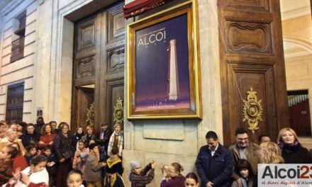 VÍDEO | Alcoi comienza su singular Navidad con el encendido de luces y el descubrimiento del cartel de la Cabalgata