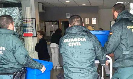 TEMPORAL | La Guardia Civil reparte medicinas para personas mayores de Alcoy