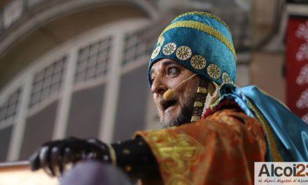 VÍDEO I FOTOS | L'Ambaixador Reial anuncia l'arribada de la màgia a Alcoi