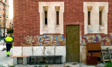 L'Ajuntament clausura una planta baixa ocupada en l'antiga estació de tren
