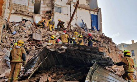 SUCESOS | Una fallecida en el tercer derrumbe de un edificio en el Centro de Alcoy