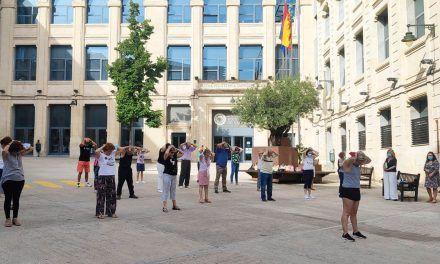 L'Ajuntament realitza a l'aire lliure les activitats de les aules de majors