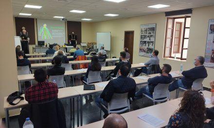 """La Policia Local realitza un curs als seus agents per a utilitzar correctament les """"Taser"""""""