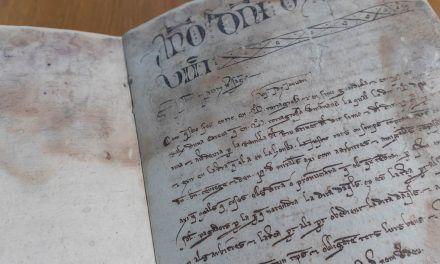 """L'Arxiu Municipal d'Alcoi restaura dos """"Llibres de Cort de Justícia"""" de principis del segle XIV"""