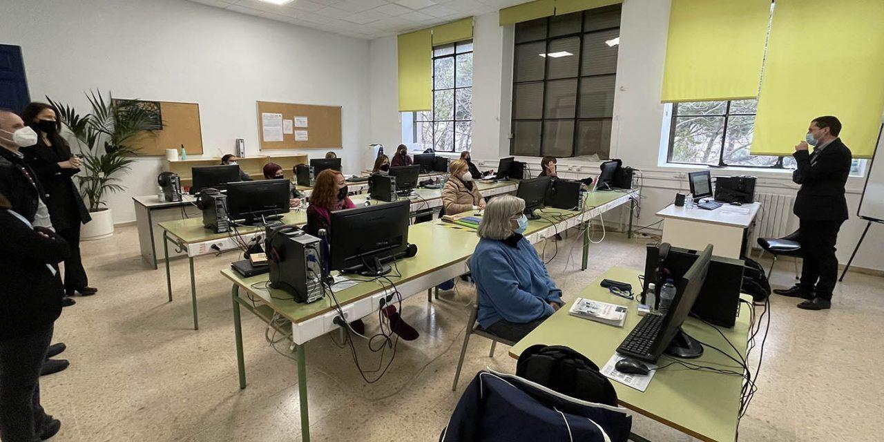 Les alumnes del taller d'ocupació 'Forma't Alcoi' completaran la seua formació treballant a l'Ajuntament