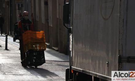 El PP exigeix revisar els permisos de càrrega i descàrrega en zona per als vianants