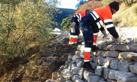 El personal contractat a través de 'Avalem Experiència' actua en una vintena de zones d'Alcoi