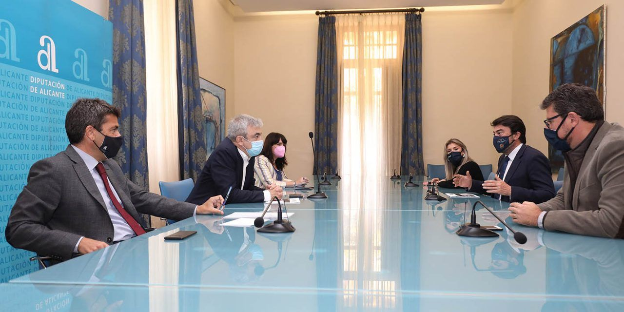 La Diputación de Alicante acoge un encuentro con el vicepresidente de Renew Europe, Luis Garicano, para analizar el presente y el futuro de los Fondos Europeos
