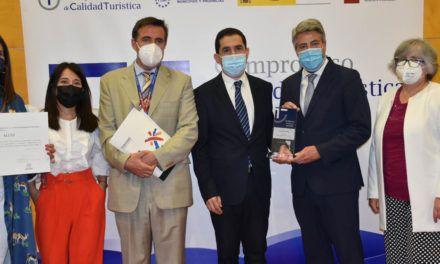 Alcoi arreplega a FITUR el premi a la Millor Destinació Turística SICTED 2020