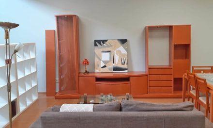Cáritas inaugura una tienda de muebles de segunda mano en Alcoi