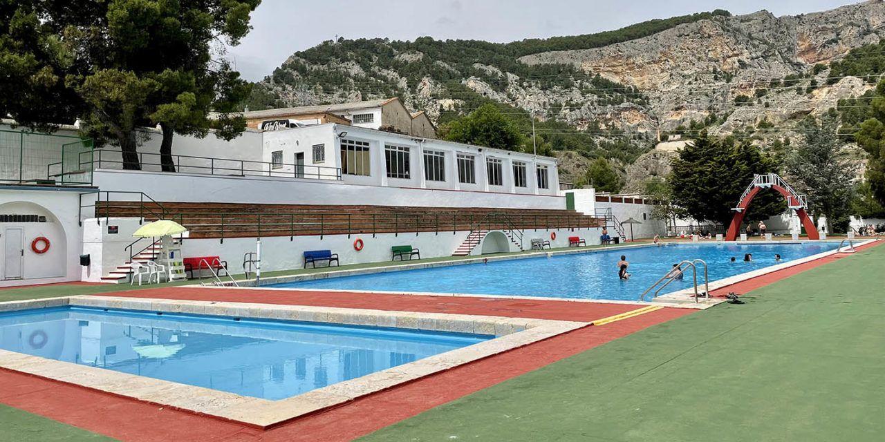 Més de 6.000 accessos a les piscines municipals d'Alcoi